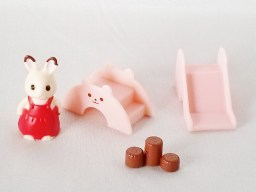 epoch-capsule-sylvanian_families-shop-play_ground-1