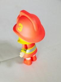 kennyswork-pop-mart-molly-career-firewoman-silvery-05