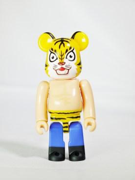 medicom-bearbrick-s27-hero-manga-series-tiger-mask-ikki-kajiwara-tsuji-naoki-01