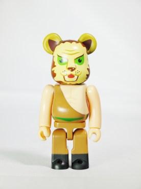 medicom-bearbrick-s27-hero-manga-series-tiger-mask-lion-man-secret-item-01