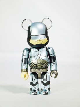 medicom-bearbrick-s27-sf-mgm-movie-robocop-01