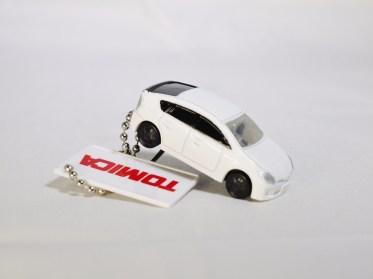 takara_tomy_arts_tomica_led_light_car_keychain_part_1_55620