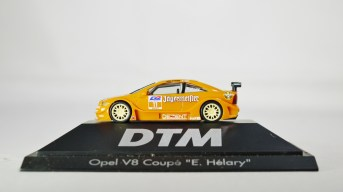 Herpa GmbH - 1-87 Motorsport Collection DTM Opel V8 Coupe E. Helary 01