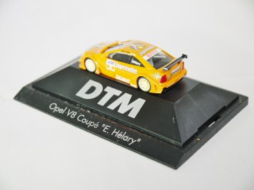 Herpa GmbH - 1-87 Motorsport Collection DTM Opel V8 Coupe E. Helary 08