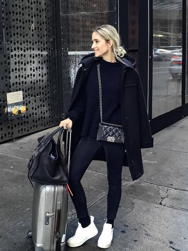chic airport outfits for travel