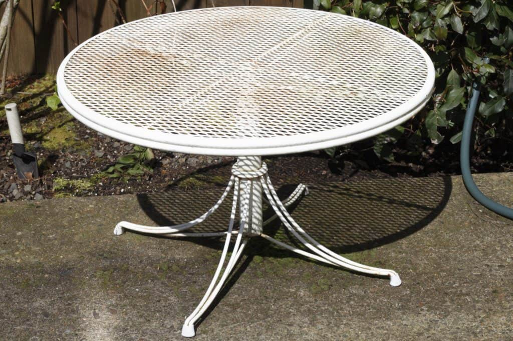your patio furniture leaks rust