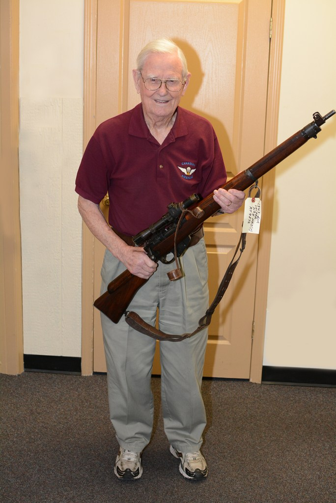Peter Braidwood CCoy1CPB 2015-05-06 w 1943 sniper rifle
