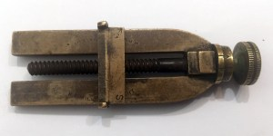 Ventometer H P MILLER'S PATENT - For micrometer adjustments to rear sight on Martini Henry etc. - bar halfway