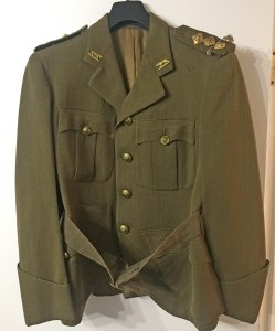 Captain W. L. ROBERTS' named Service Dress tunic with rank of Captain, Seaforth Highlanders of Canada.