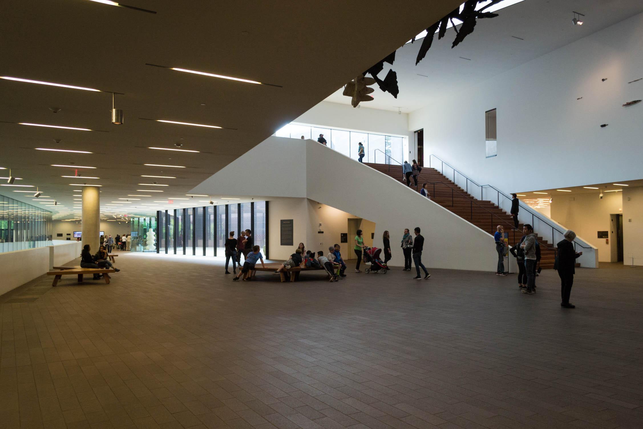 L'intérieur du musée est très moderne