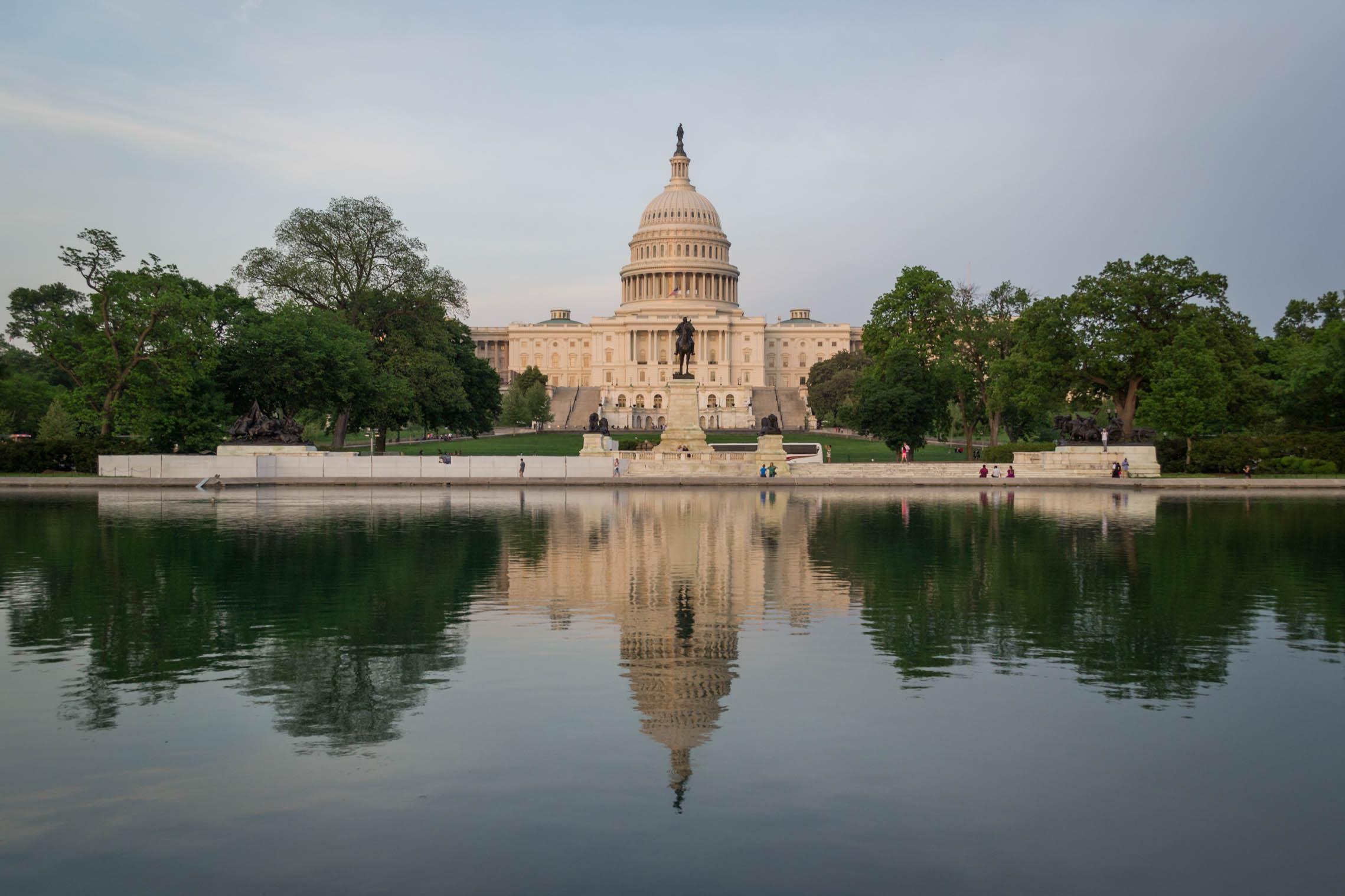 Le Capitole et son reflet