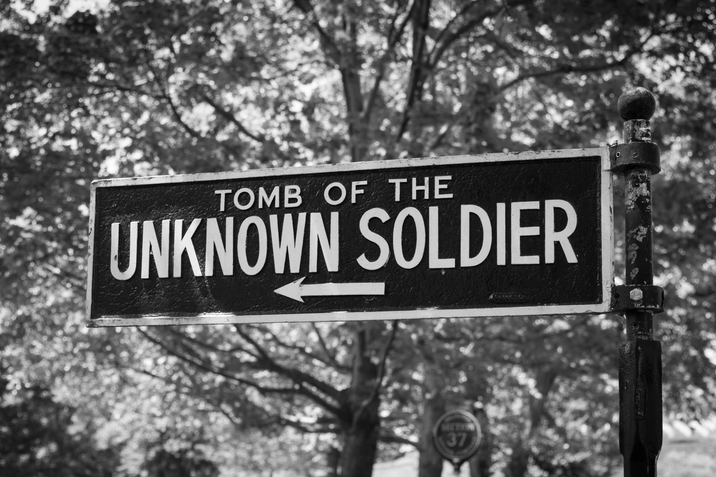 Vers la tombe du soldat inconnu