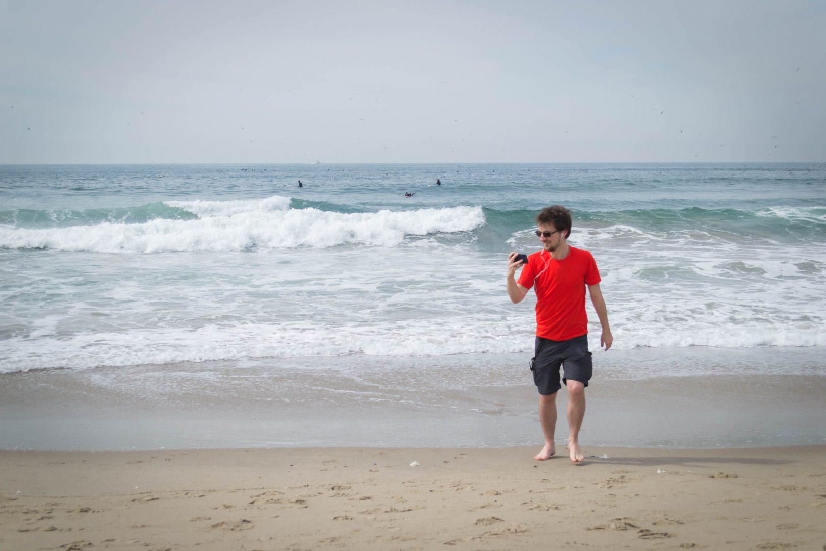 Votre serviteur parfaitement connecté sur la plage de Venice Beach