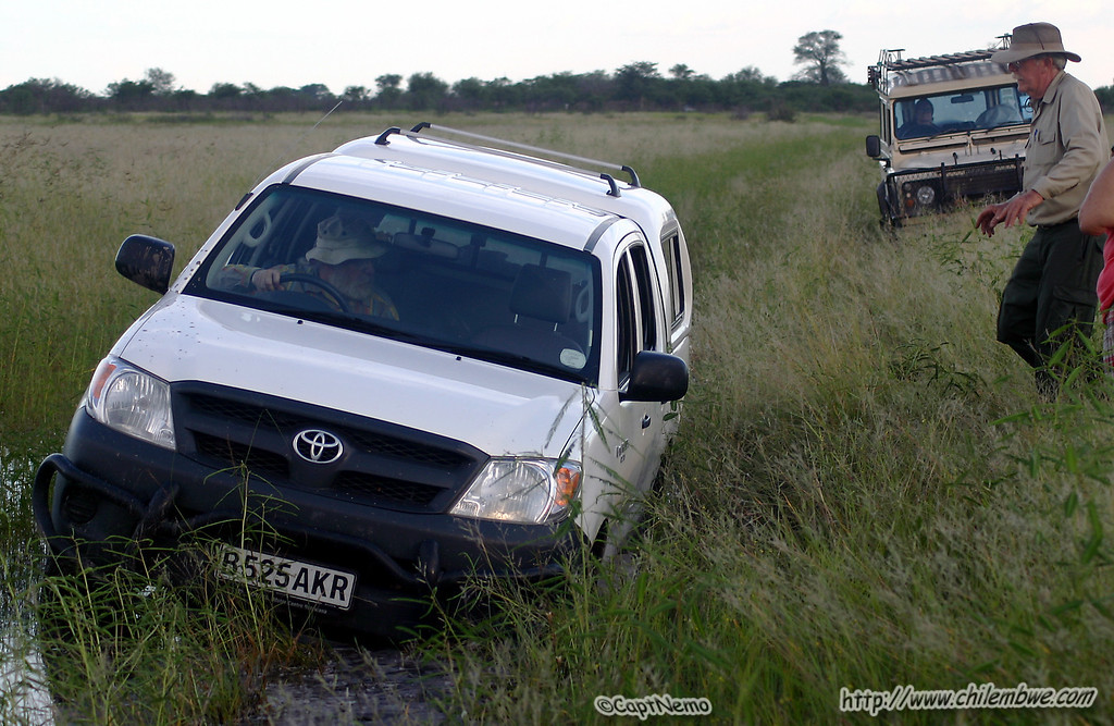 Landrover coming to rescue the toyota
