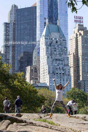 María saltando en Central Park - II - Manhattan - New York