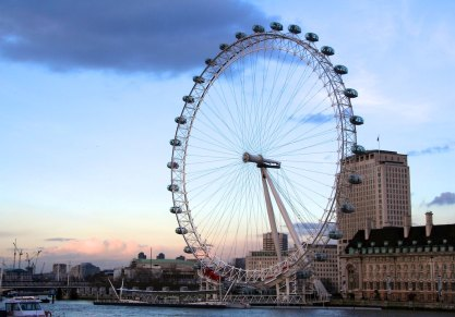 The London Eye on the Thames River, we will ride it tomorrow.