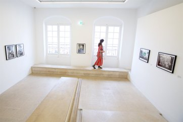 Carissa exploring the Musée Picasso in Paris