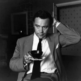 jack lemon tomando cafe
