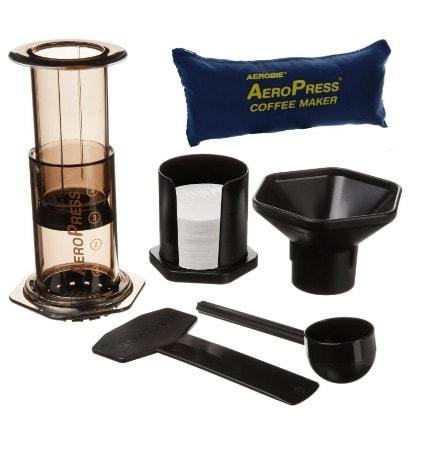 Aerobie AeroPress - Cafetera a presión para cafés y expresos (incluye bolsa de nylon con cremallera)