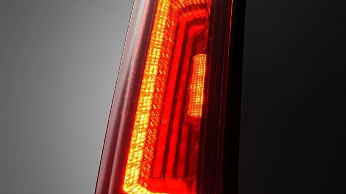新型タンクカスタム3SLEDリアランプ