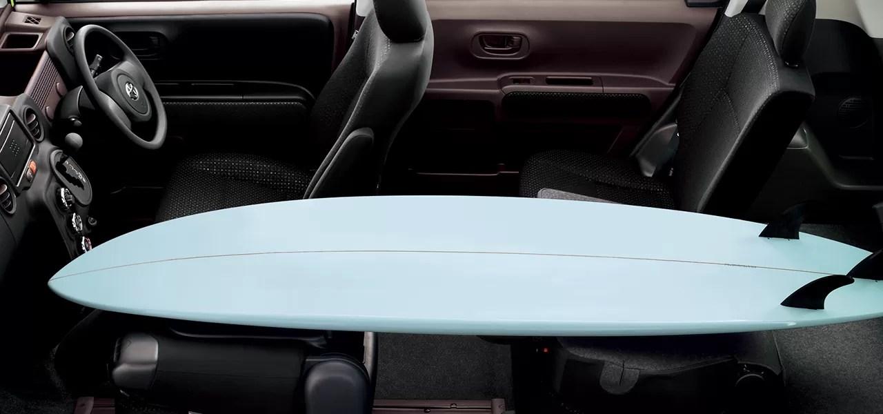 新型スペイド内装後部座席シートアレンジ