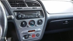 Peugeot 206 Radio Cd Display Clarion Rd1 Rds Eon Model