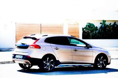 VolvoV40D3CrossCountry-C_Mrlukkor-4