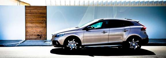 VolvoV40D3CrossCountry-C_Mrlukkor-6