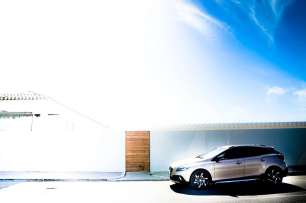 VolvoV40D3CrossCountry-C_Mrlukkor-7