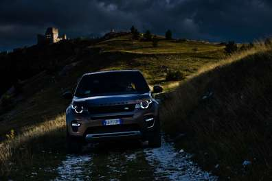 3pic_LANDROVER-DISCOVERY-SPORT-PETROL_lucaromanopix-17