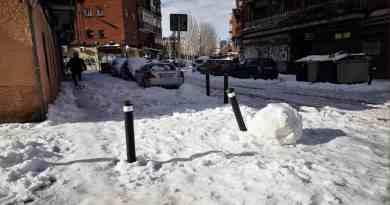 Almeida abandona la limpieza de nieve de las calles de Carabanchel