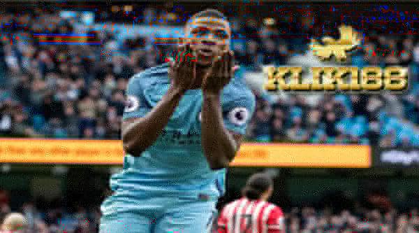 Kelechi Tinggal Selangkah Lagi Gabung Ke Leicester City