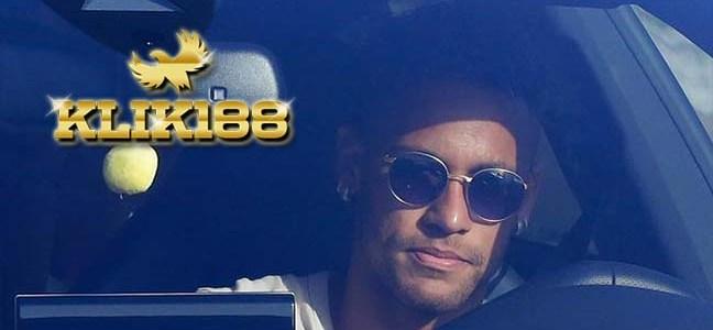 Neymar Tak Bisa Dimainkan Sebelum PSG Lunasi Biaya Transfernya