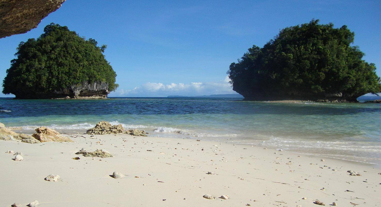 panlangagan islands, britania islands