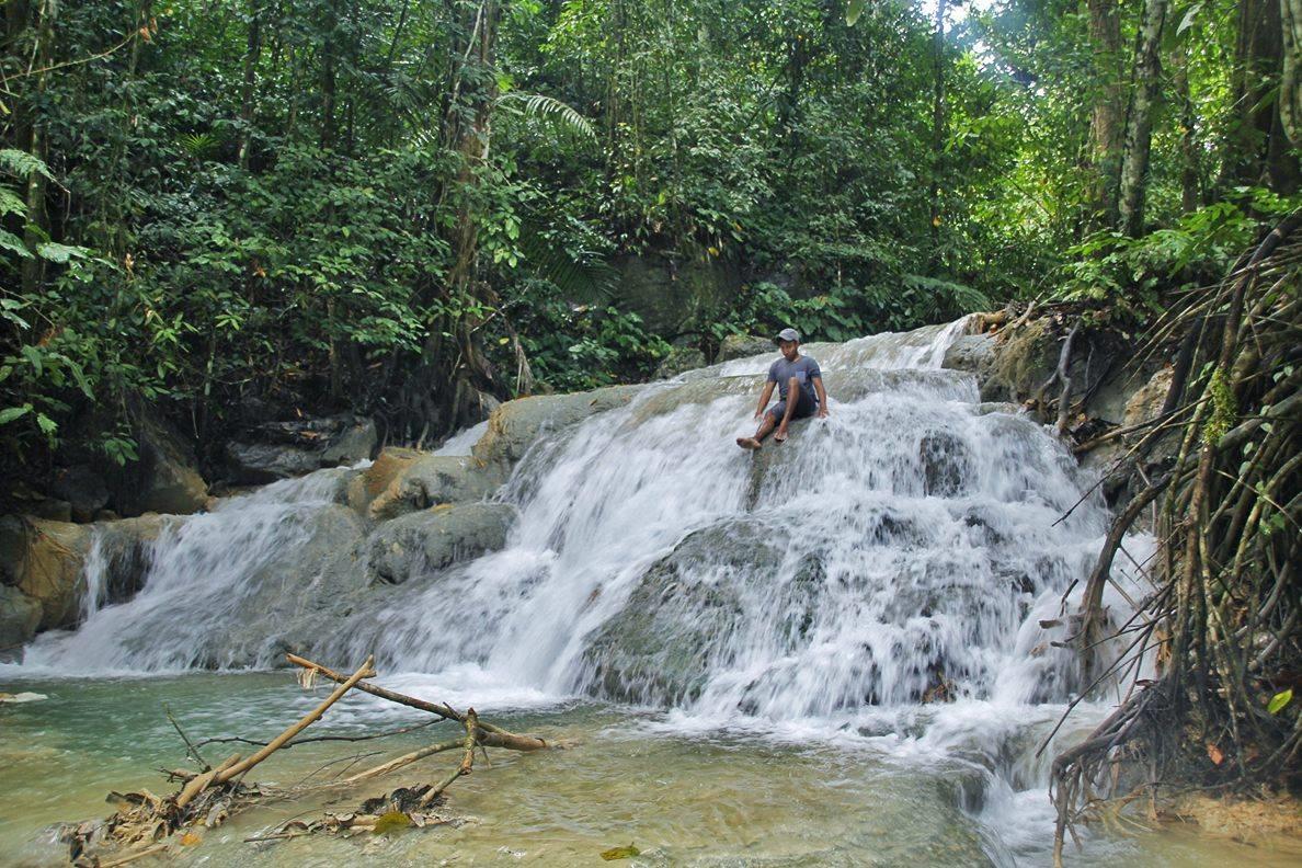 pinandagatan falls. sibagat, agusan del sur