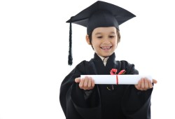 9 Keuntungan dan Kerugian Asuransi Pendidikan Anak