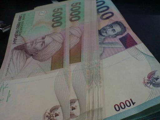 target uang per hari