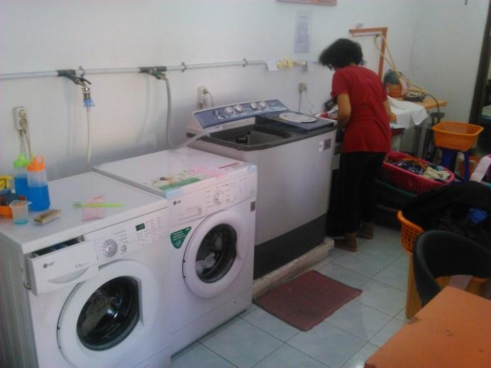 membangun usaha laundry