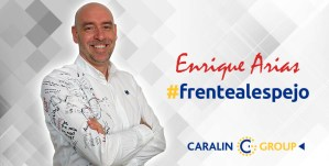 Enrique Arias frentealespejo