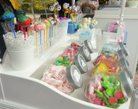 Decakepop was one of the stands there, selling humorously-designed little products that would make excellent presents.