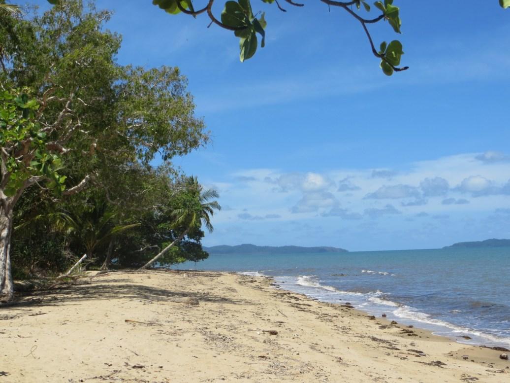 Desserted beaches with island views near Pt Douglas