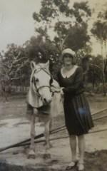 Mum & Family horse Dolly