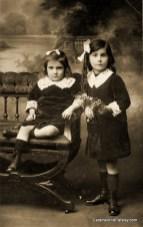Sisters - 1915