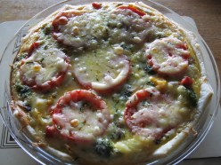 Vegetarian quiche with tomato & cheese topping