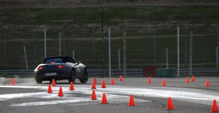 Jorge Méndez -CAR and GAS-. Comportamiento sobre mojado Mazda MX-5 2016