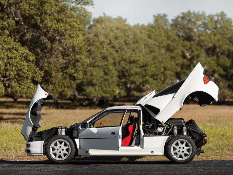 Vista Lateral Ford RS 200