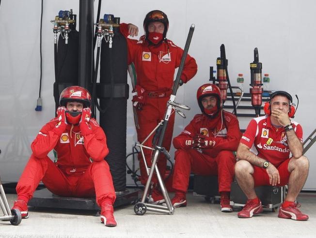 Mecánicos Ferrari F1