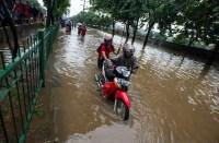 Cara Mengatasi Motor Yang Mogok Akibat Banjir