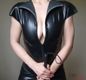 Mistress Cara in latex with crop