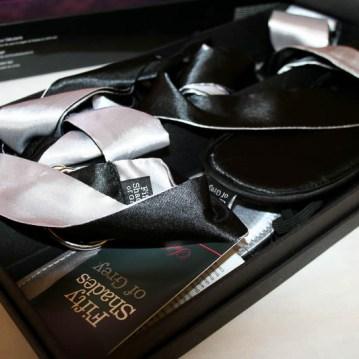 50-shades-bondage-kit-800-13
